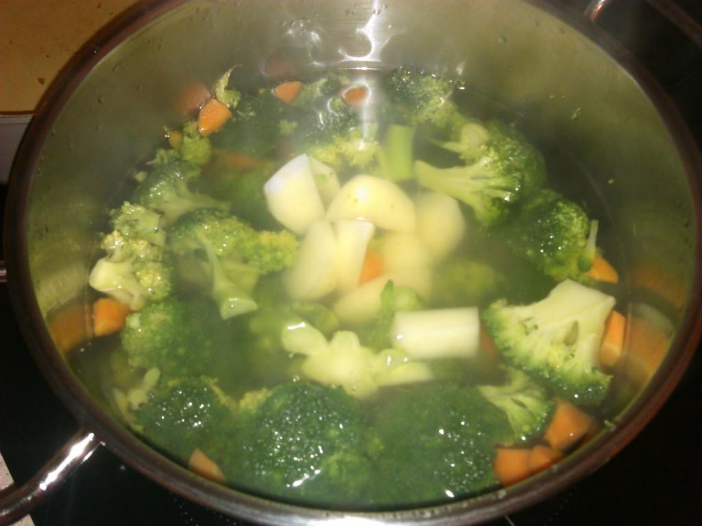 kremna-brokolijeva-juha-ki-premami-2