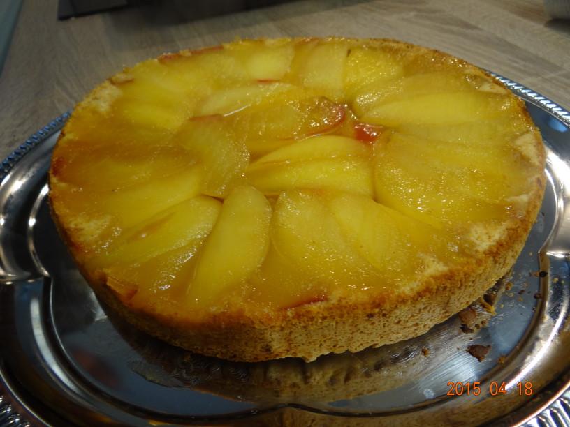 """Slastna torta """"tarte tatin"""" z jabolki"""