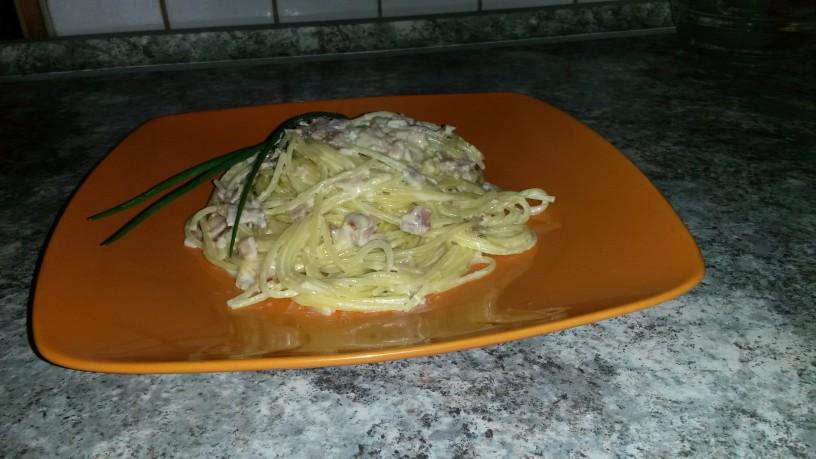 spageti- ne ravno carbonara-1