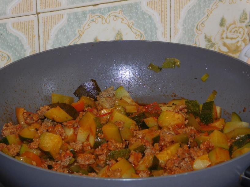 zelenjavno-mesna-lazanja-za-vse (4)