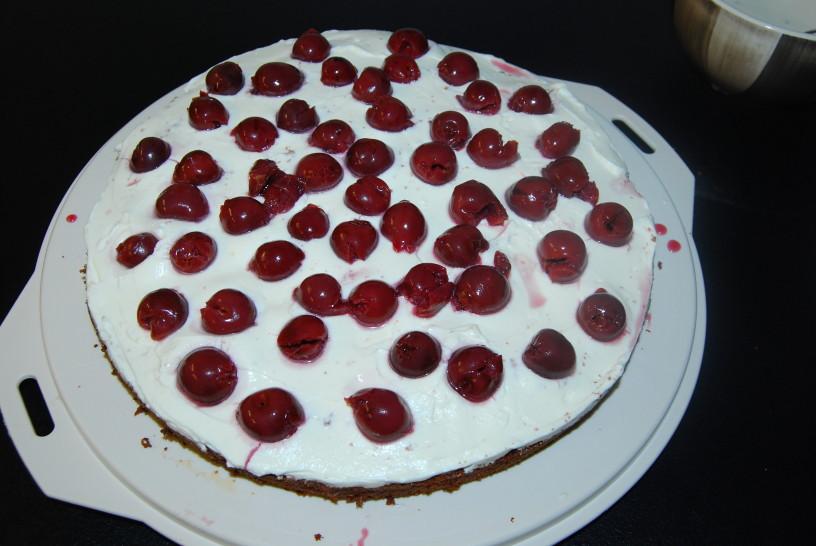 cokoladna-torta-z-visnjami-19