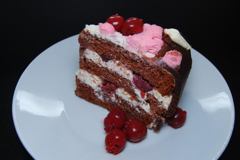 cokoladna-torta-z-visnjami-21
