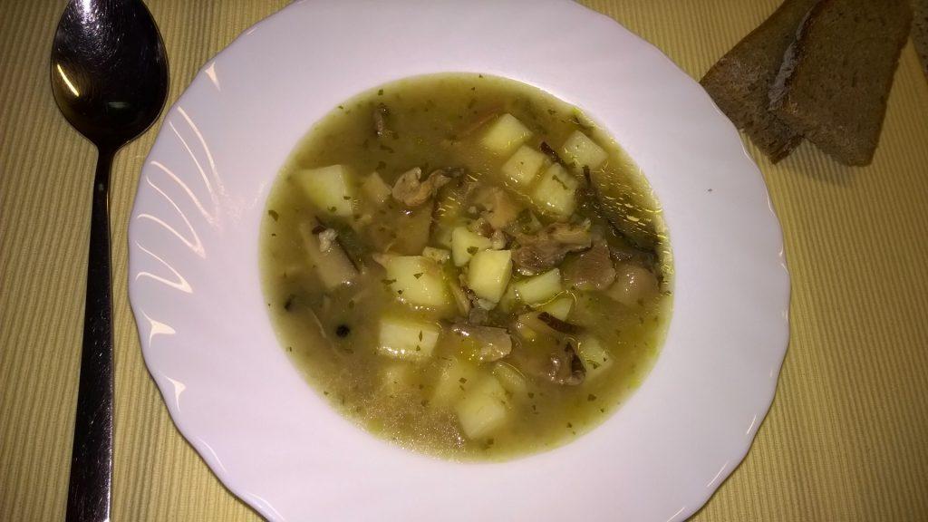 Gobova juha s krompirjem
