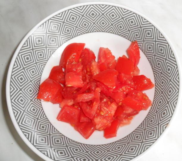 Okusna svinjina v paradižnokovi omaki s korenčkom