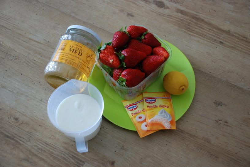 Osvežilni-jagodni-sladoled-1