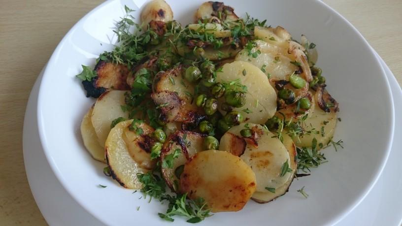 Pečen krompir z mladim grahom in timijanom (5)
