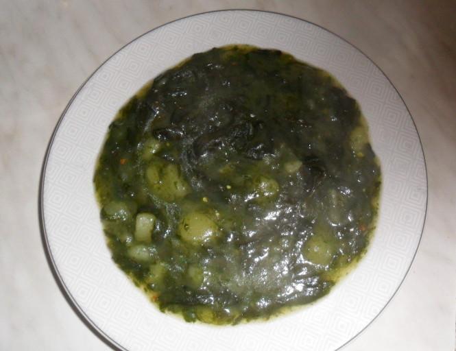 Preprosta, najboljša zelena juha iz čemaža
