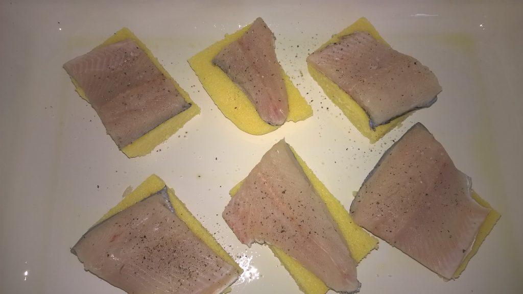 Ribji file s polento