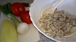 Riževa solata s paradižnikom in papriko
