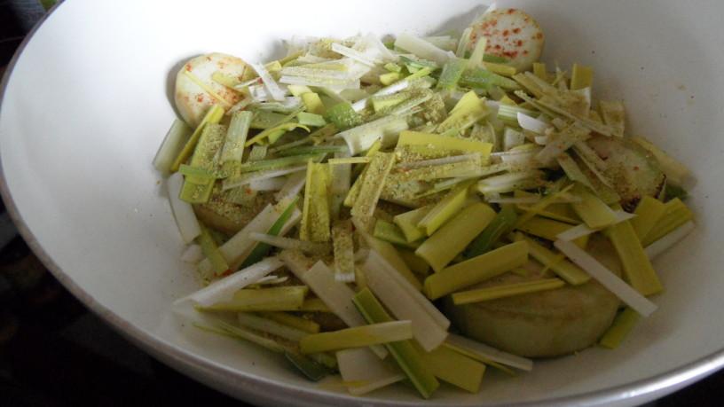 Stročji fižol z melancani in sladkim krompirjem
