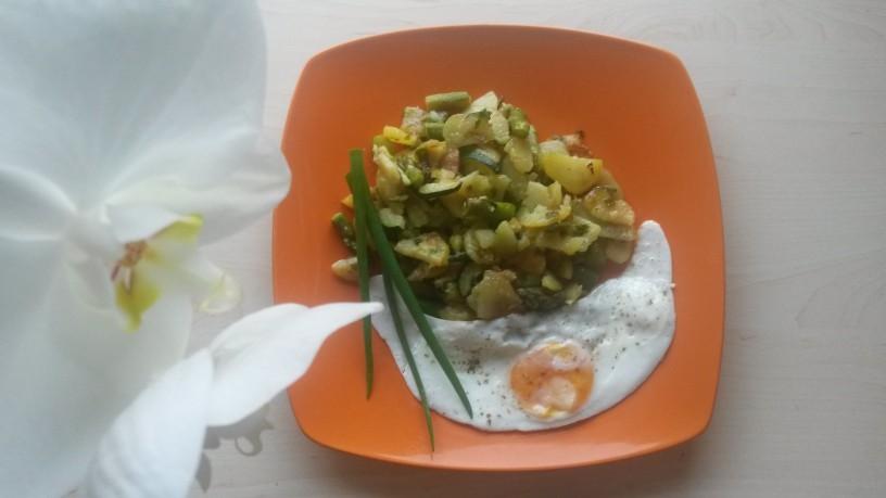 Vegeterijanski krožnik z domačega vrta