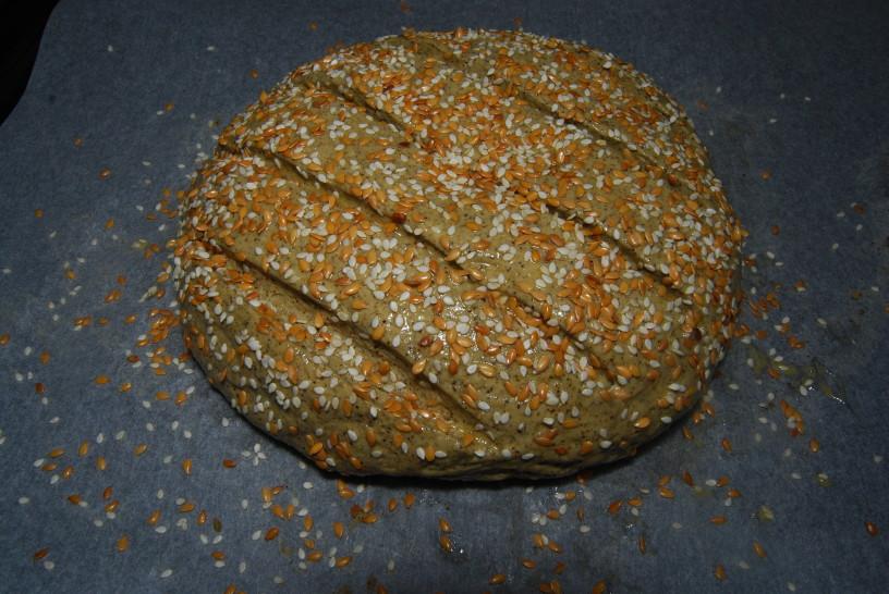 konopljin-hlebcek-s-semeni-11