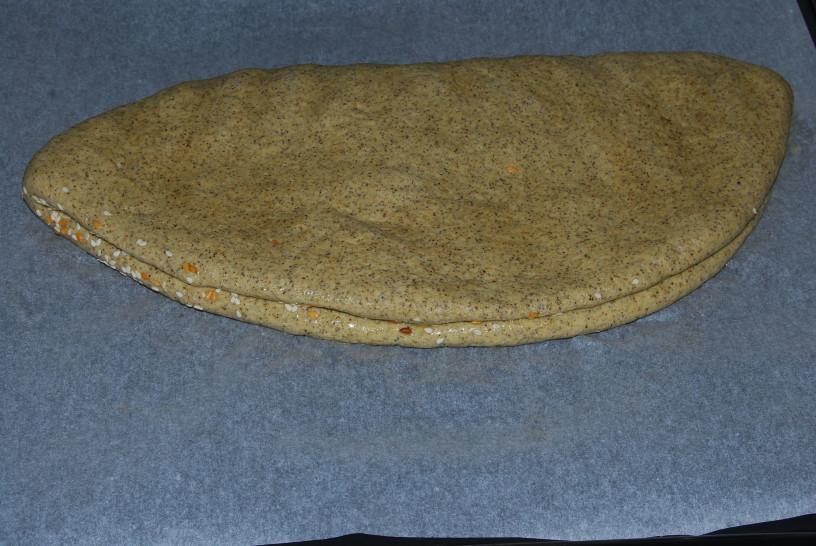 konopljin-hlebcek-s-semeni-5