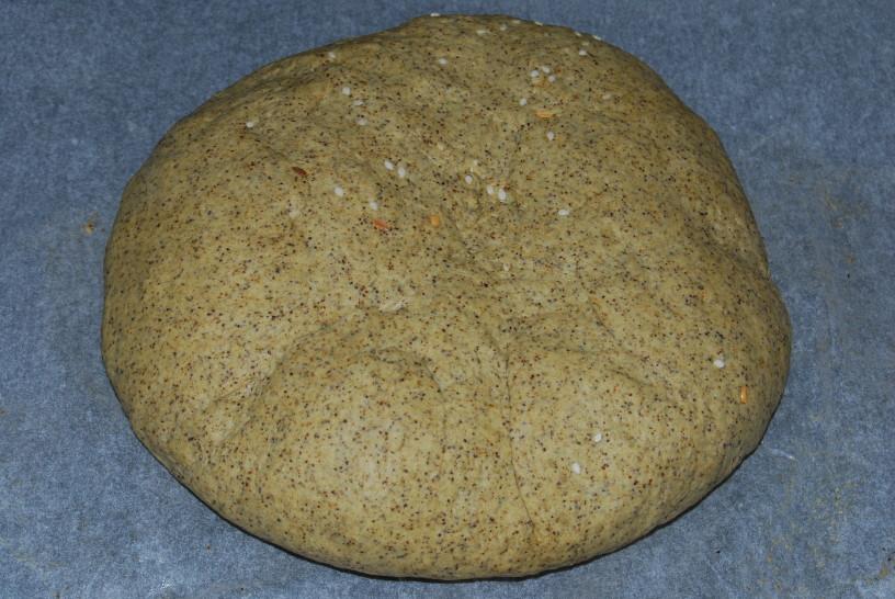 konopljin-hlebcek-s-semeni-9