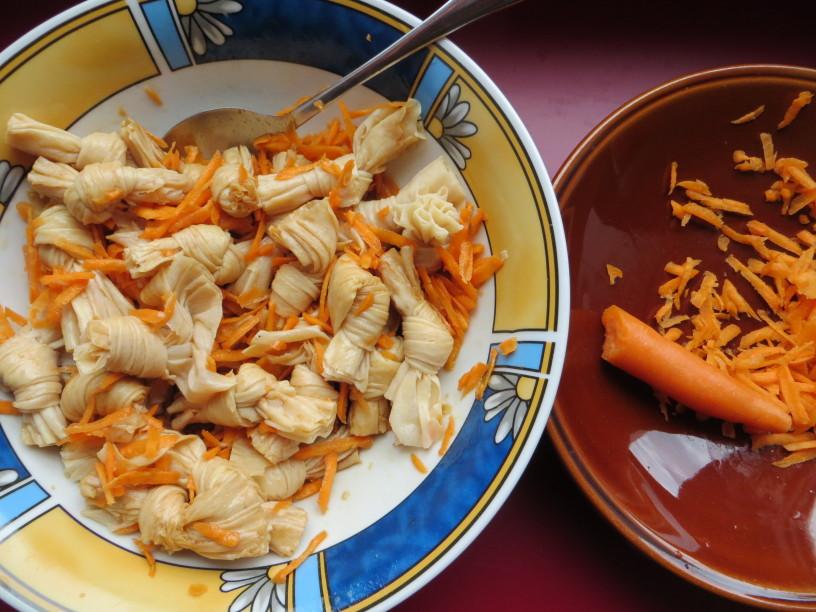 Osvežilna solata iz tofujevih vozličkov4