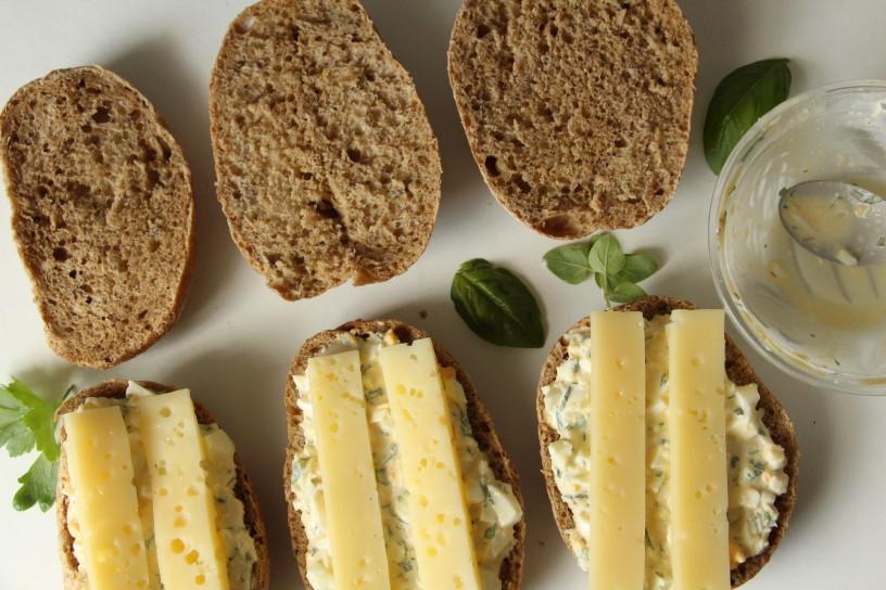 sirovi sendvici z jajcnim namazom (21)