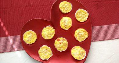 jajce-s-sirom-šunko-in-papriko-v-muffinu-3
