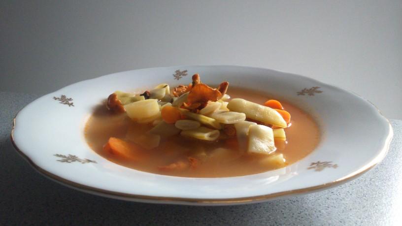 nostalgicna juha s strocjim fizolom (1)
