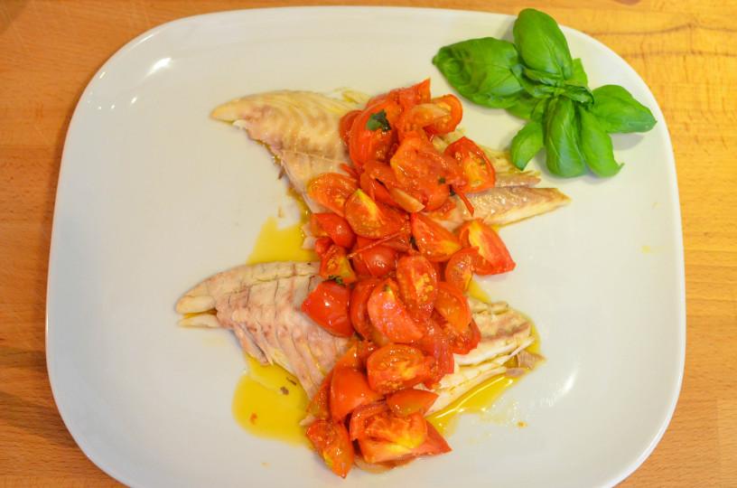 Socna riba s paradiznikovo omako_9