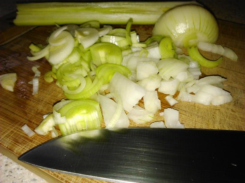 zelenjavna-minestra-s-cmocki (2)