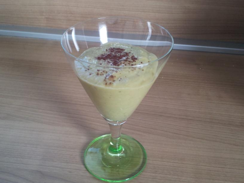 Nasiten napitek banana-avokado
