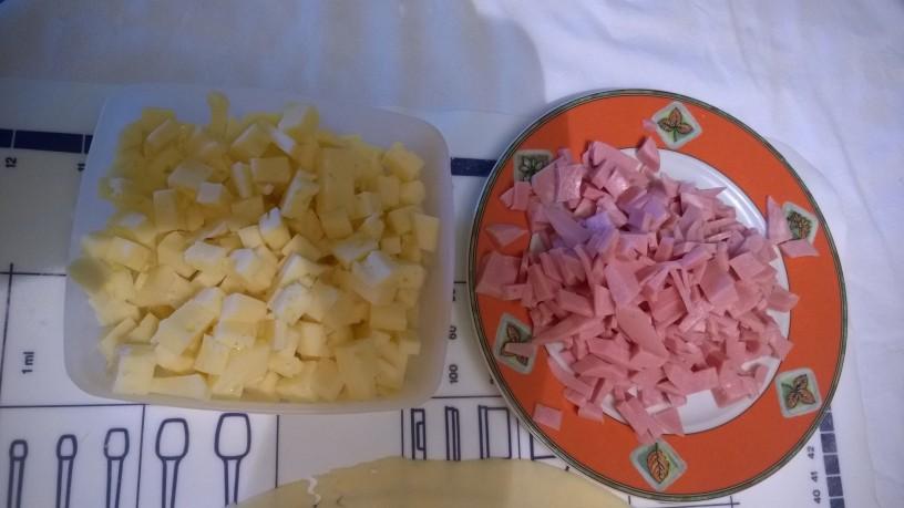 Slastni rolančki s šunko in sirom