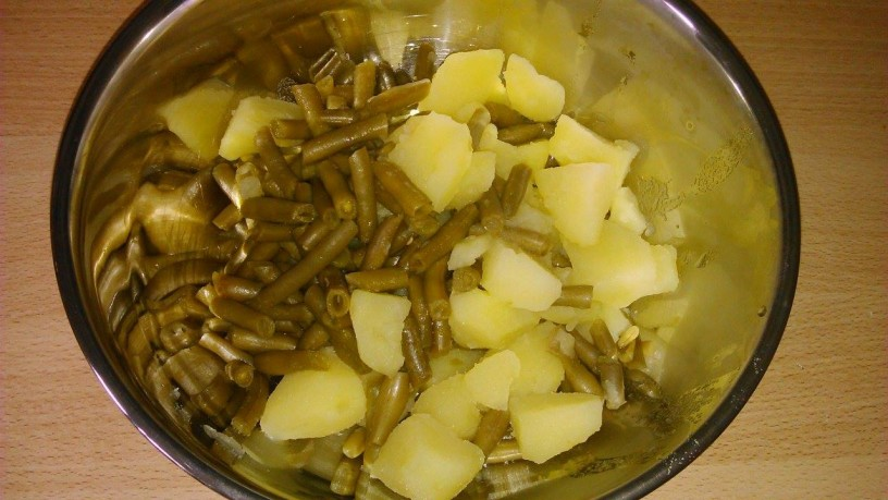 Zabeljen krompir in stročji fižol (2)