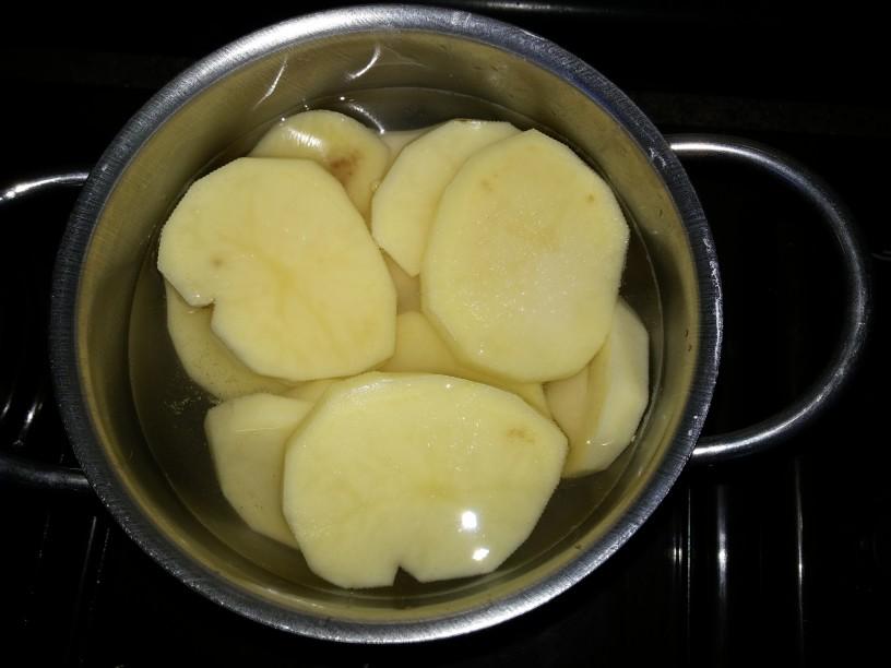 Hrustljave krompirjeve rezine
