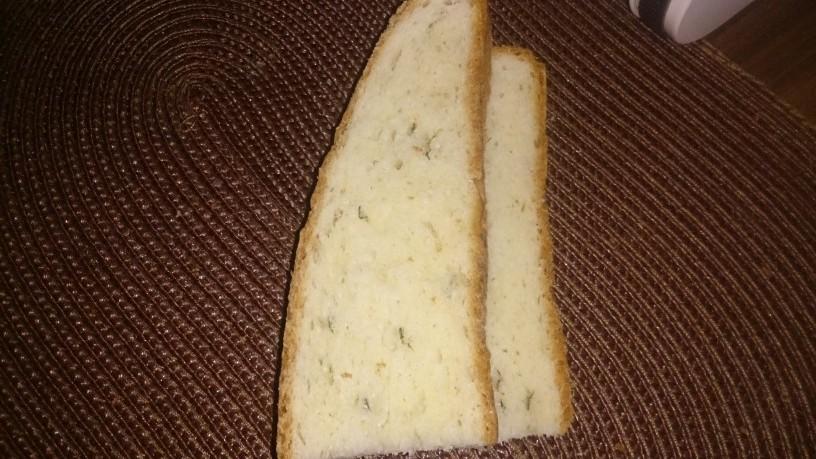 Hitro pripravljen pehtranov kruh