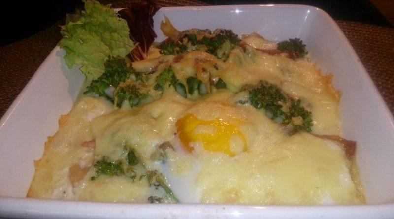 Jajca in brokoli v beli omaki