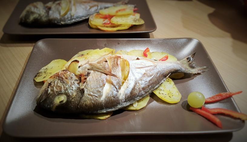 bela-riba-na-krompirjevi-posteljici-2