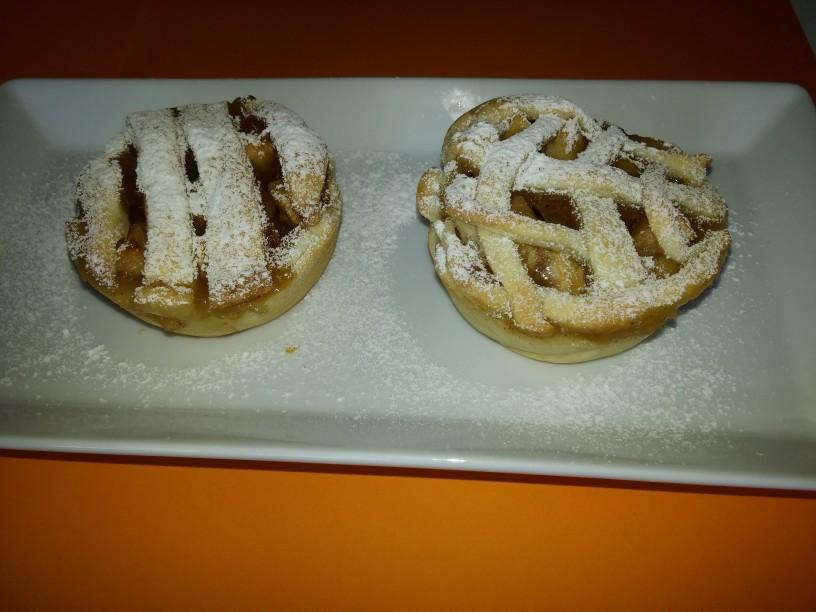 Mini jabolčne pite za nostalgčne sladokusce