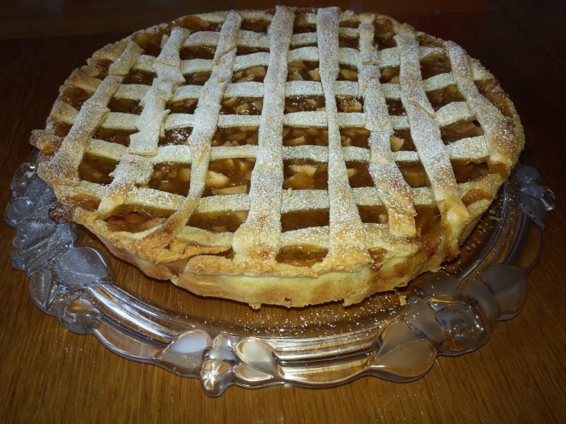 omamna-jabolcna-pita-z-vanilijevo-kremo (16)