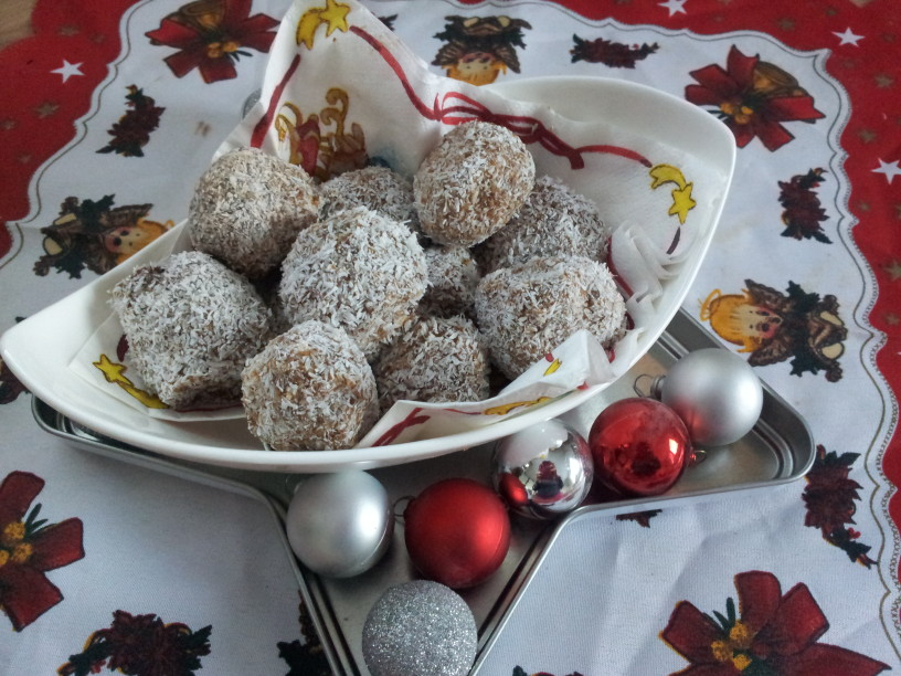 Božične sadne kroglice