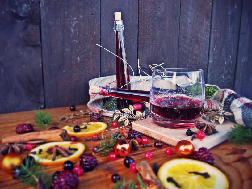 decembrske-pozornosti-vino-z-gozdnimi-sadezi-6