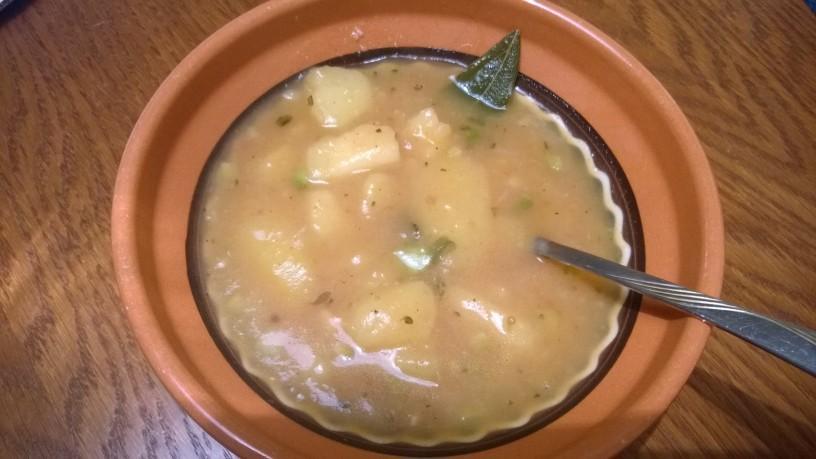 Krompirjev golaž na kislo