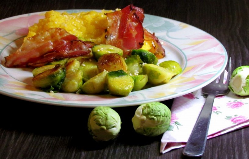 brsticni-ohrovt-s-polento-sezamom-in-popeceno-slanino-4