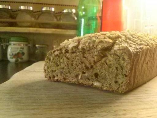 Kruh iz pirine in bučne moke