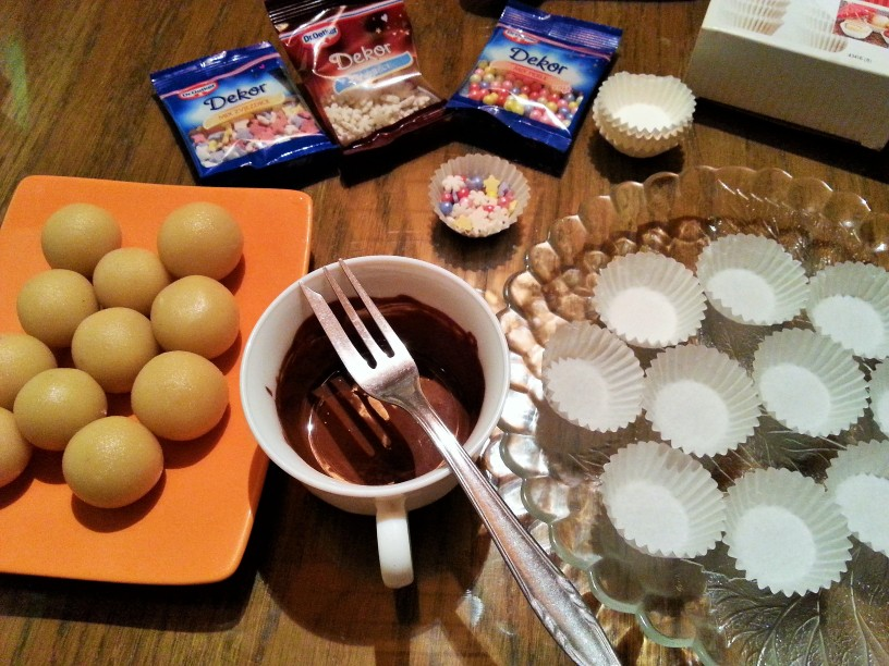Marcipanove-kroglice-s-cokolado-7