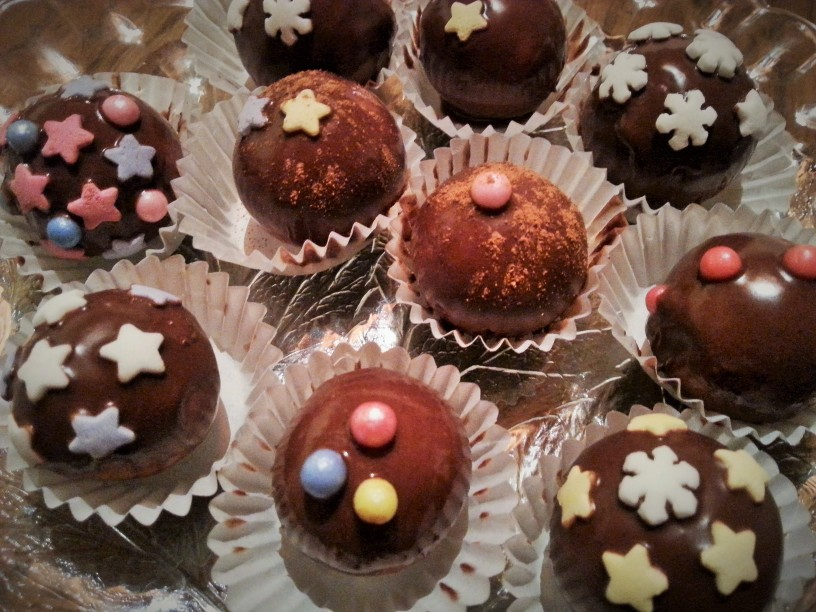Marcipanove-kroglice-s-cokolado
