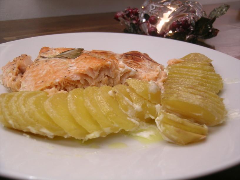 losos-v-pecici-s-smetanovim-krompirjem-12