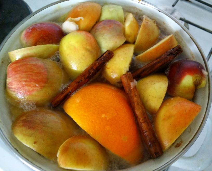 vroc-jabolcnik-kuhancek-za-otroke