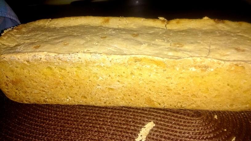 Domač koruzni kruh z mehko sredico
