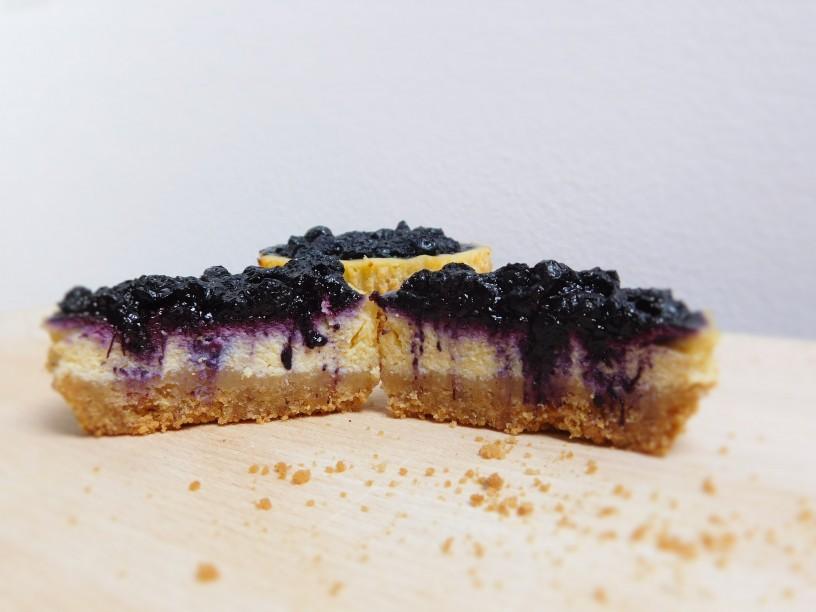 borovnicevi-cheescake-muffini (22)