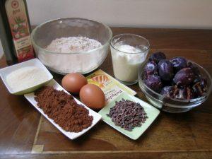 brownie-cokoladne-kocke-z-jogurtom-in-slivami-1