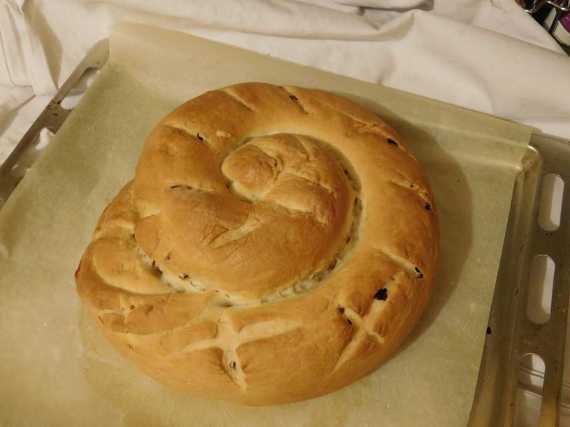 cebulni-kruh-z-jogurtom-da-se-ti-zrola (22)