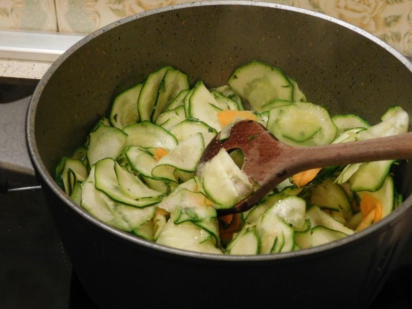 hitro-pripravljena-omaka-iz-buck-in-korencka (3)