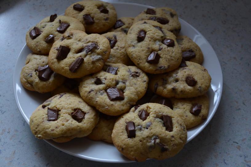 Mehki piškoti s koščki čokolade