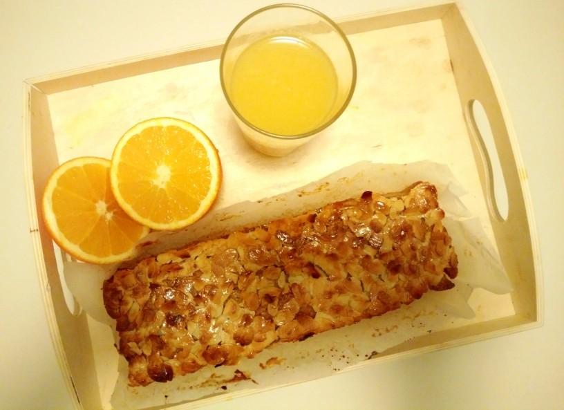 pomarancni-kruh-z-mandljevo-skorijco-0