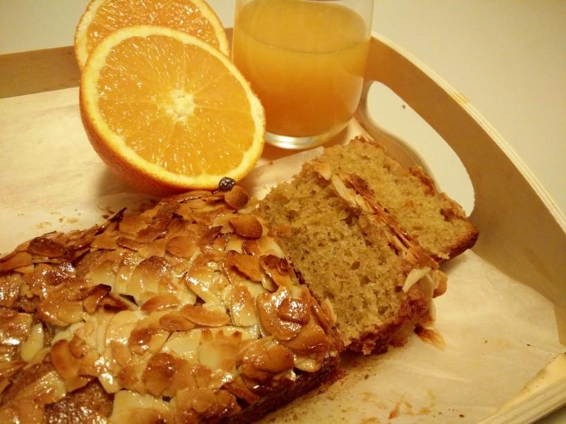 pomarancni-kruh-z-mandljevo-skorijco-1